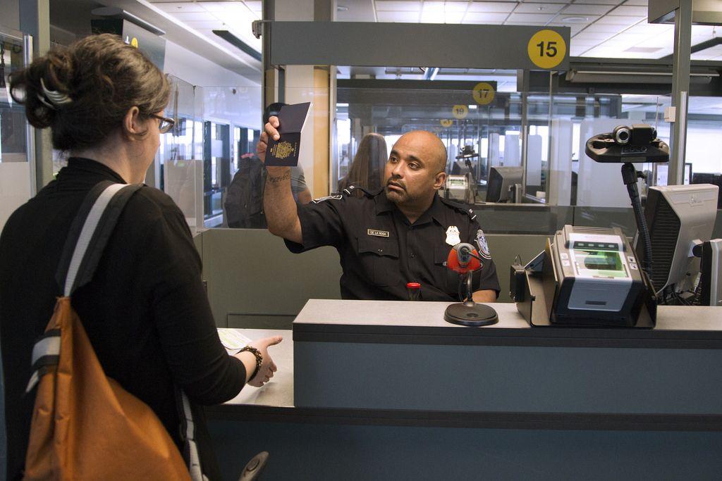 immigration arrivée à l'aéroport