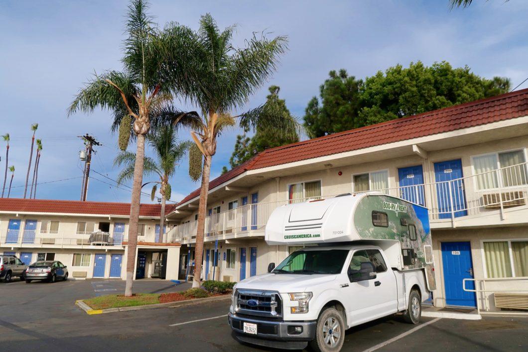 camping-car et hôtel