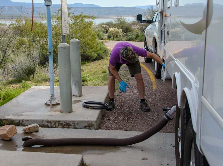 vidange eaux usées camping-car