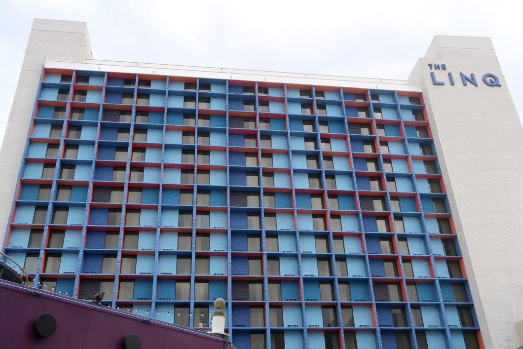 façade The Linq