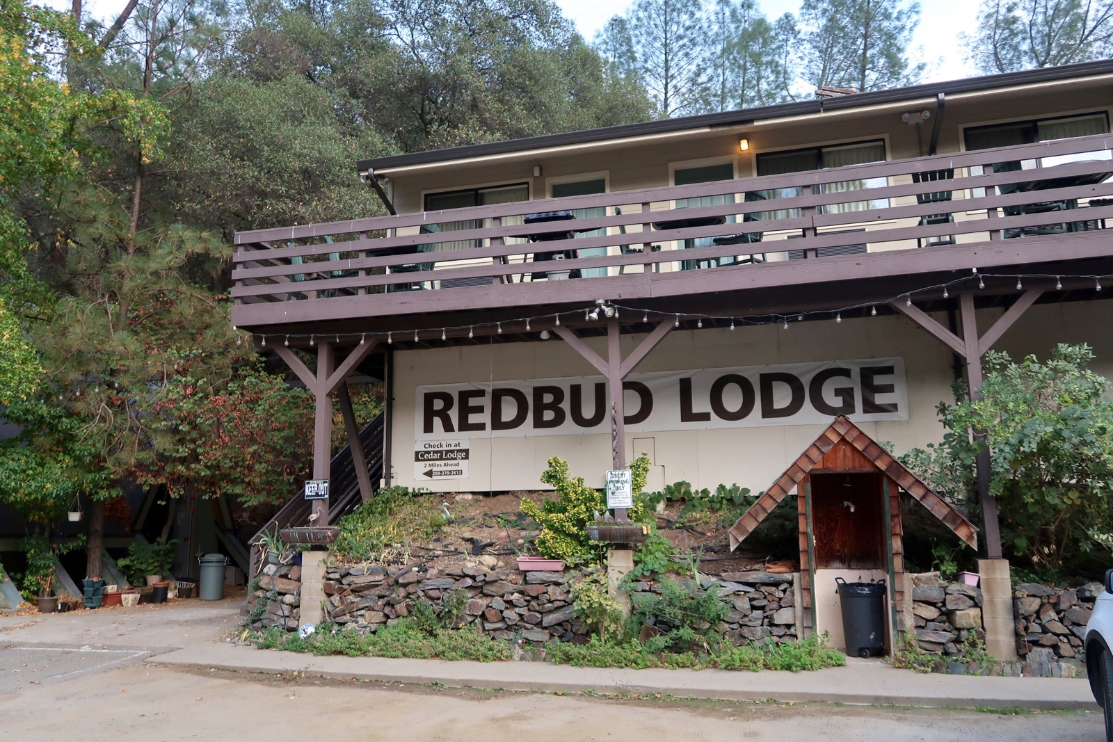 red bud lodge