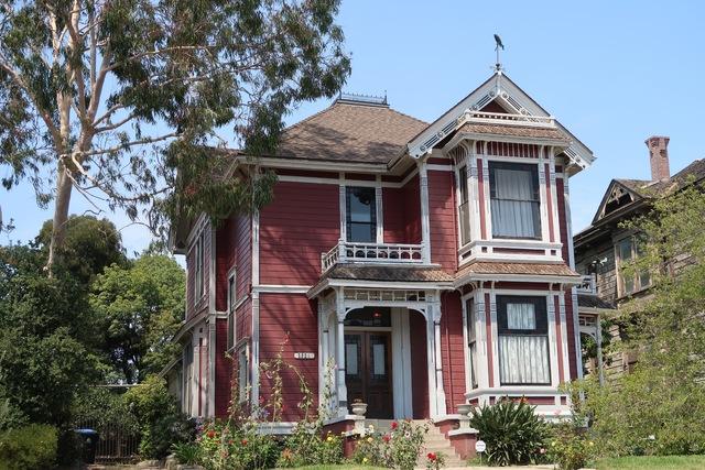 Maison des soeurs halliwell adresse ventana blog for Bons plans de maison